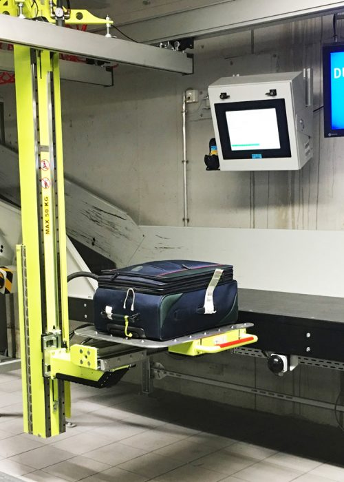 Container Loading System for lifting baggage at Munich Airport.